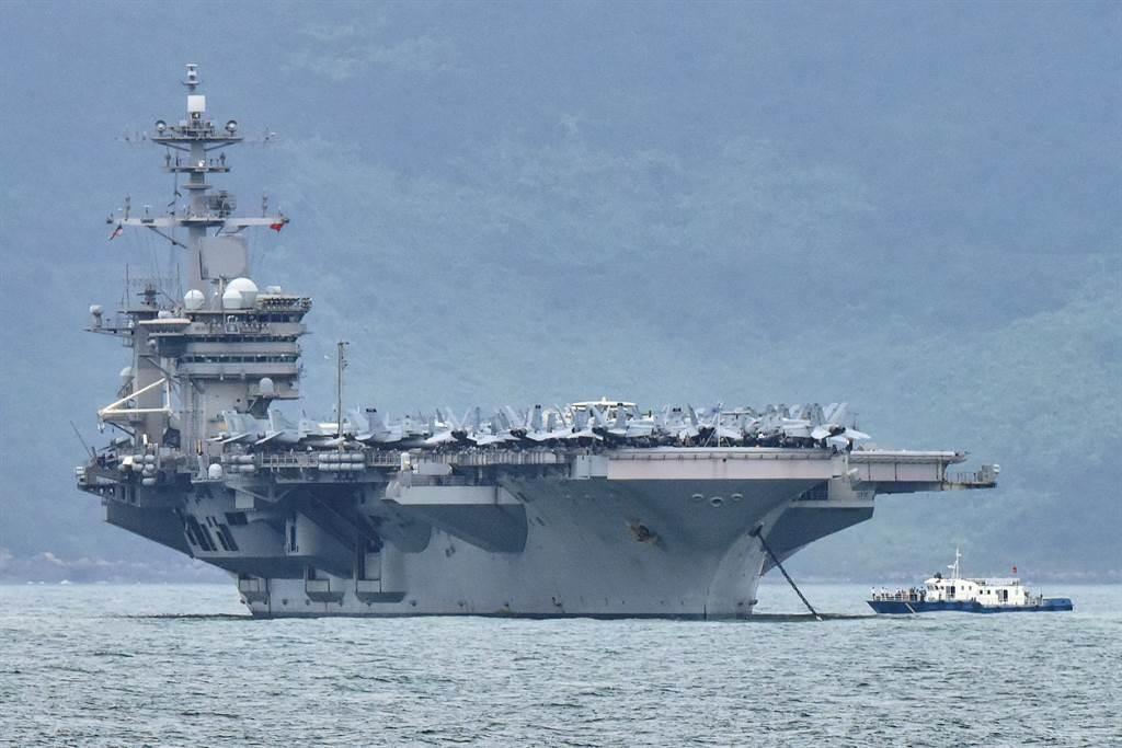 美國軍方今天表示,中國軍機過去一週在南海「不曾」對美國海軍在這個區域的航空母艦打擊群構成任何威脅。(圖/路透)