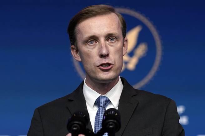 拜登政府的國家安全顧問蘇利文29日在美國和平研究所視訊演說時表示,美國已準備好要讓大陸打壓台港及新疆付出代價。(美聯社)