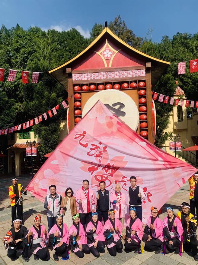 九族文化村櫻花季,將延續到3月上旬。(廖志晃攝)