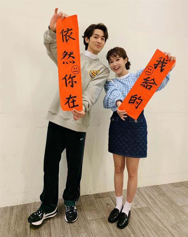 小樂(左)新歌MV邀李佳穎合作拍攝。(傳奇星娛樂提供)