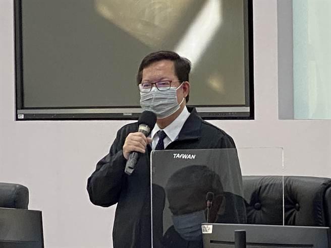 桃醫群聚首例病逝,桃園市長鄭文燦不諱言心情很沉重。(蔡依珍攝)