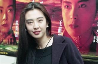 粉絲幫王祖賢慶54歲生日 她秀近照一句話洩仙女真實個性