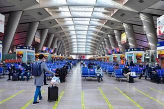 中國春運冷清 前3天鐵路載運量年減75%