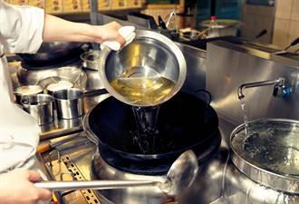 上油養鍋仍焦黑 內行人點破關鍵:錯得離譜