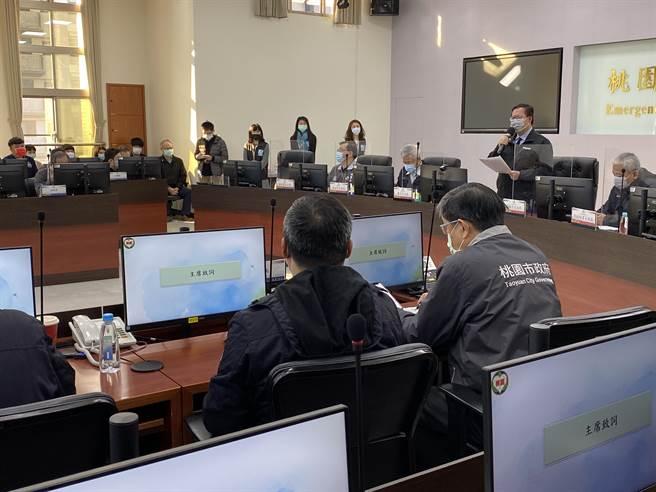 桃園市長鄭文燦指示相關局處陪同,讓護理師一家人度過辛苦艱困的時期。(蔡依珍攝)