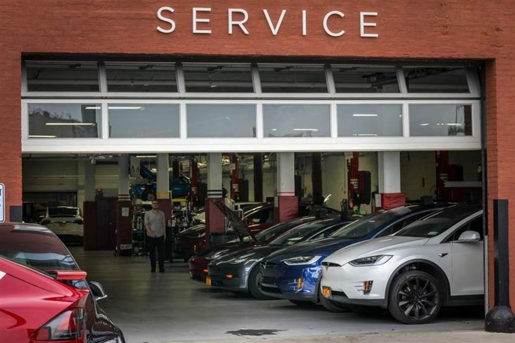 特斯拉原廠服務中心開始提供車體鈑噴服務,減少對委外授權廠商的依賴