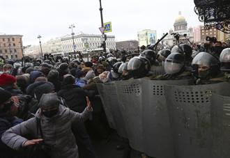 俄群眾示威聲援納瓦尼5000多人被捕 歐盟官員譴責