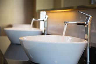盥洗室比飯廳更毒?專家曝護理師1家6口染疫背後關鍵