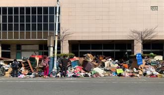 年節清運垃圾堆路邊 彰化民眾尋寶成另類「免廢市集」