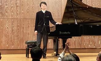 簡秀枝》「不累」的鋼琴家 現代音樂奇蹟