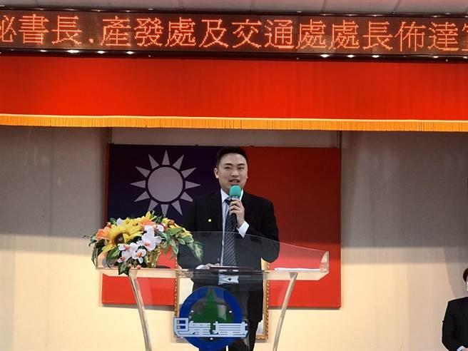 立委蔡適應國會辦公室主任黃健峰接任產發處長。(陳彩玲攝)