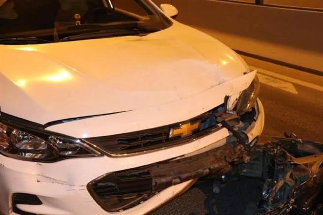 大陸深圳上月28日發生一件死亡車禍, 雙方駕駛皆酒駕上路,電動車騎士不幸喪命。(翻攝微博《廣州日報》)