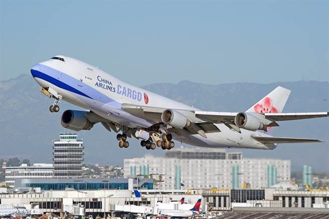 【新聞多益】華航波音747機隊退役,學航空、航線的英文(圖/shutterstock達志影像)