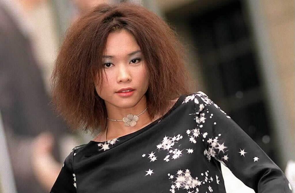 <b>小王菲橫掃90年代華語歌壇 戀上有婦之夫精神崩</b>