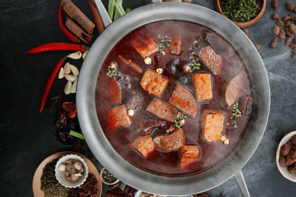王品集團外帶年菜,星級美味料理年夜飯。(王品提供)