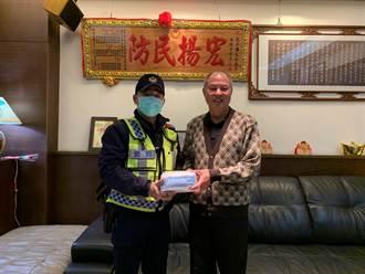 警察第一線有我罩 民防分隊長捐口罩挺警察