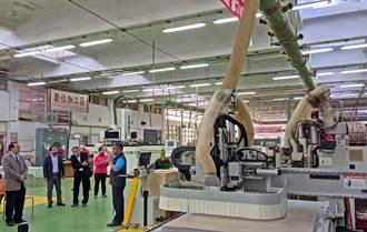 屏科大木設系受贈百萬系統 20小時工時縮短至5分鐘