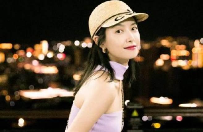 34歲大陸女星宋茜以亮眼外貌及168cm好身材走紅,曾是韓國女團f(x)隊長,近年則將事業重心回歸大陸。(圖/摘自微博@宋茜)