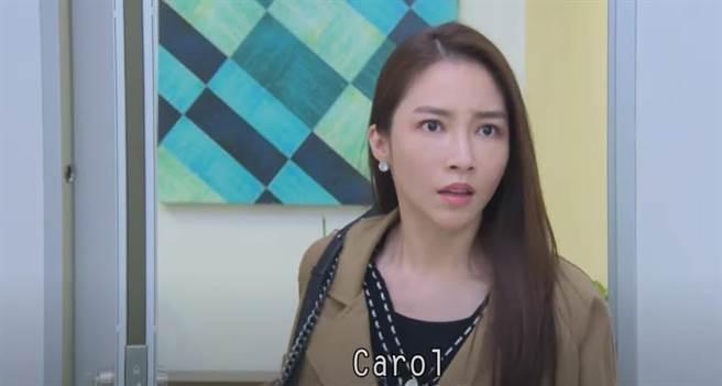 張家瑋劇中老公「劉加堯」(黃文星飾演)和閨密「Carol」(夏宇禾飾演)的婚外情。(民視提供)