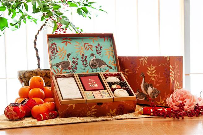 「桃林稻香‧年節禮盒」1980元。(大倉久和大飯店提供)