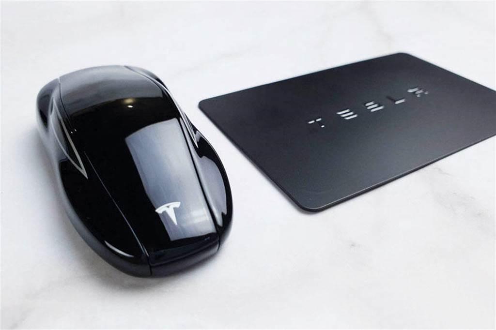 特斯拉車鑰確定導入 UWB 技術:強化 Key Fob 安全性,定位更精準
