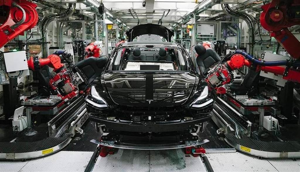 Model 3 何時導入大型鑄件車體?馬斯克:會做的,但要先解決這幾個難題