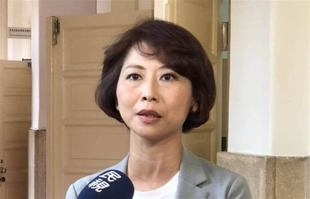 民進黨立委陳亭妃認為,大陸禁止台灣鳳梨是國民黨害的。(中時資料照)