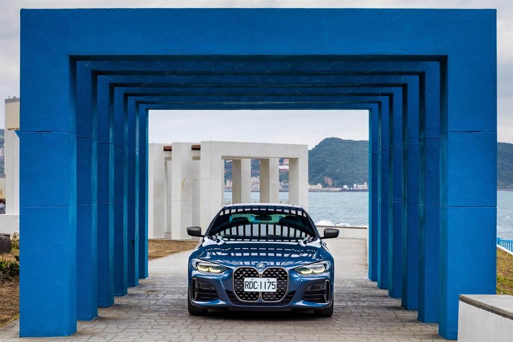 車頭造型自從BMW發表Concept 4概念車後便引發討論,但誰也沒想到BMW設計師竟幾乎原封不動地將其呈現在量產車上!(陳彥文攝)
