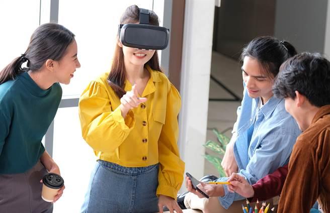 传苹果VR头盔有望在2022年发表。(达志影像/Shutterstock提供)
