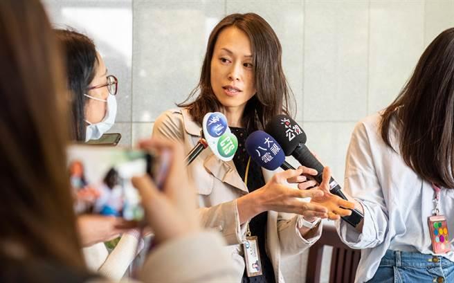 中央研究院基因体研究中心助研究员黄雯华率团,近期发现并证实一项乳癌恶化的机制。(中研院提供/李侑珊台北传真)