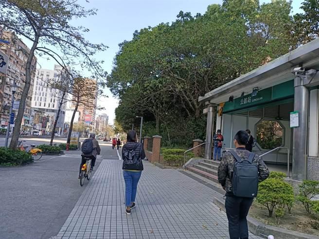 台大擬在捷運公館站增設公共單車(簡立欣攝)