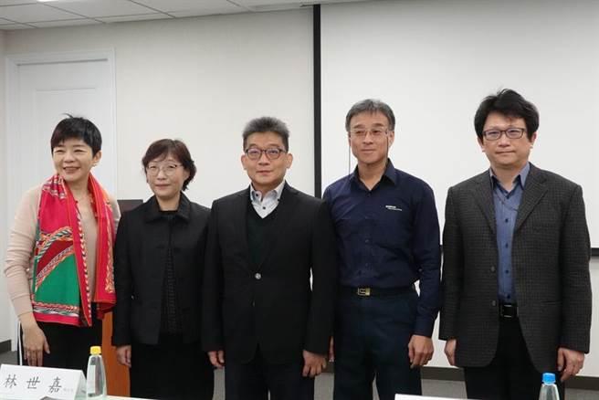 數位醫療防疫專家會議-疫情展望從國家隊到國際盃。圖/財團法人台灣醫界聯盟基金會提供