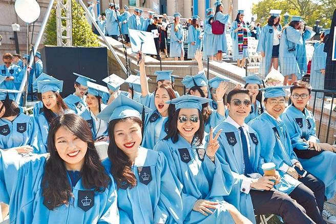 大陸的海外留學生。(中新社資料照)