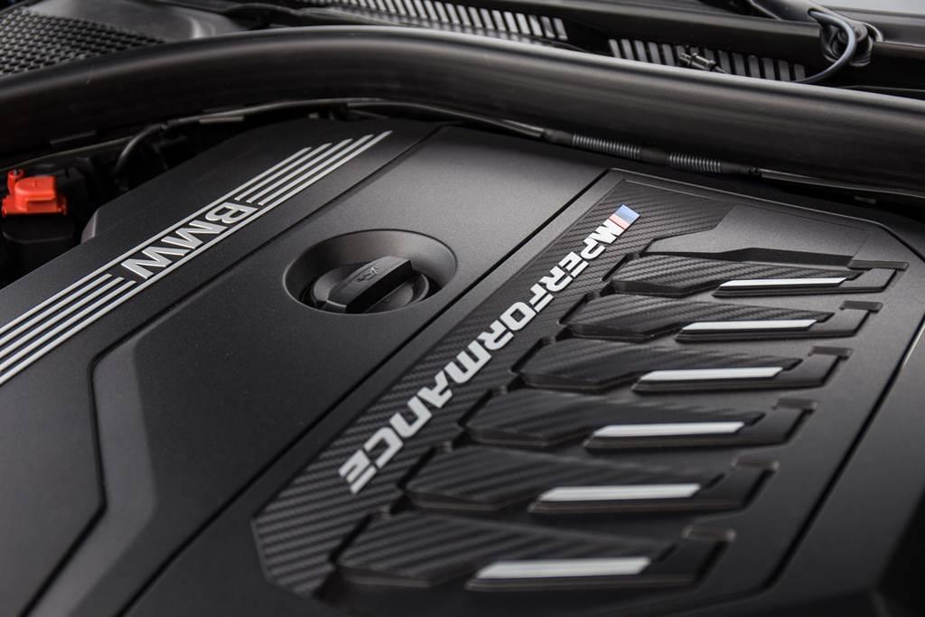 M440i搭載BMW經典的直六引擎,擁有374hp最大馬力以及500Nm最大扭力,再加上11hp的48V輕油電輔助。(陳彥文攝)