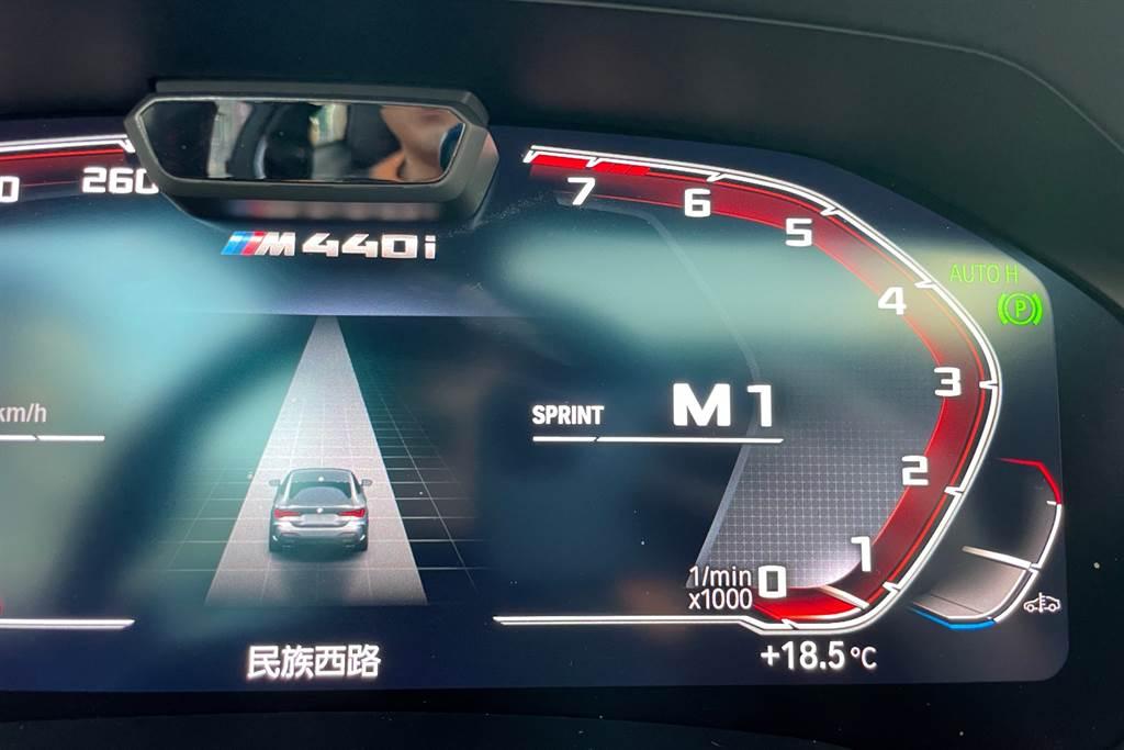長按退檔撥片就能進入Sprint衝刺模式,迅速讓轉速拉至好球帶。(陳彥文攝)