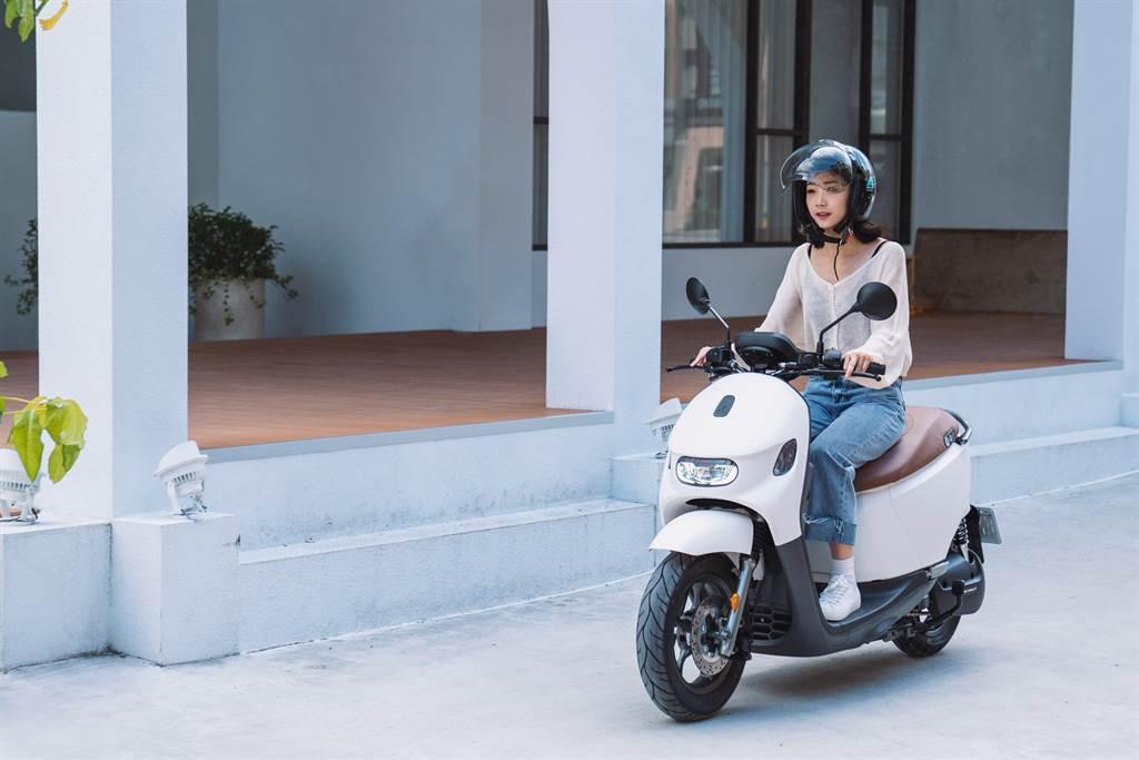 購買女性消費者青睞的Ai-3 Comfort,搭配台灣大哥大「5G極智省」方案及政府補助,最低27,980元就可輕鬆入手(不含牌險)