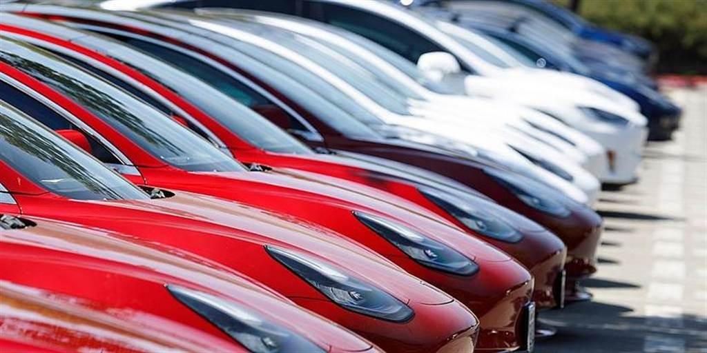 2020 年最熱銷電動車是它!特斯拉 Model 3 全球狂賣 36 萬輛,三度蟬聯銷售冠軍