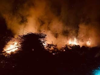 台東關山垃圾掩埋場火警 現場濃煙瀰漫