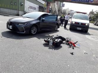 路口轉彎未禮讓  電動自行車挨撞男騎士受傷送醫