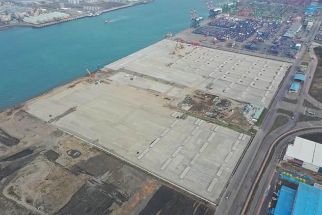 圖為臺中港36號碼頭新建工程完工空拍照。圖/臺灣港務公司提供