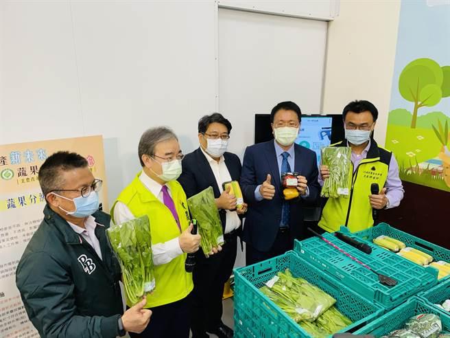 北農推多項新措施穩定農民收益,獲陳吉仲大讚典範。(吳康瑋攝)