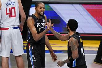 NBA》虛驚一場!杜蘭特生涯首次替補登場
