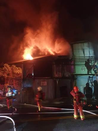 淡水塑膠射出工廠起火 出動101消防人員救火