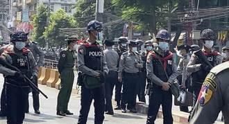 緬甸全國皆有民眾抗議軍政府 北方警員開槍驅散民眾