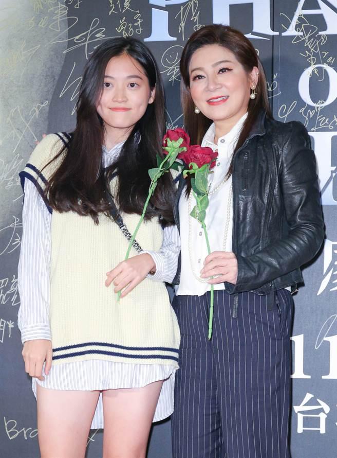 王彩樺在2020年底帶小女兒一起觀賞歌劇魅影。(圖/本報系資料照片)