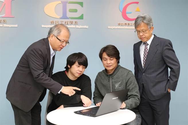 靜宜資傳系碩士班何祥祿創立工作室,從事遊戲開發,同時獲得經濟部「獨立遊戲開發獎勵計畫」第二名等,他期望未來能將原創的數位遊戲推向國際。(陳世宗攝)