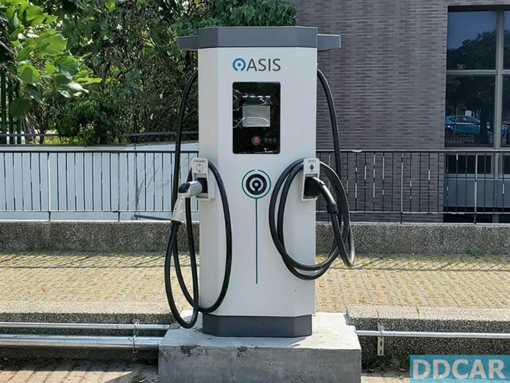 OASIS 台南樹谷快充站上線!充電每度 8 元,今年全台再蓋十座 DC 直流充電站
