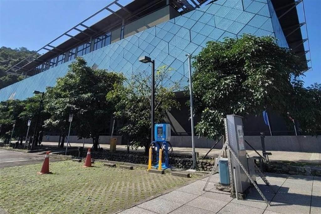 華城 EVALUE 啟用蘇澳 30kW 直流充電站:每度電 9.5 元、免費提供特斯拉轉接頭