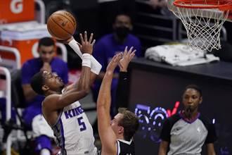NBA》里歐納德孤掌難鳴 國王宰快艇4連勝