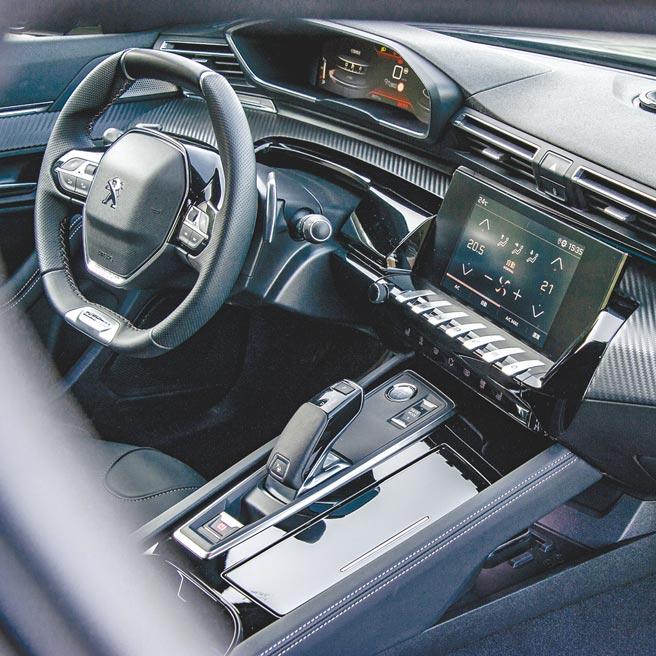 4.儀表控台設計是法系車特有的美感。(陳大任攝)